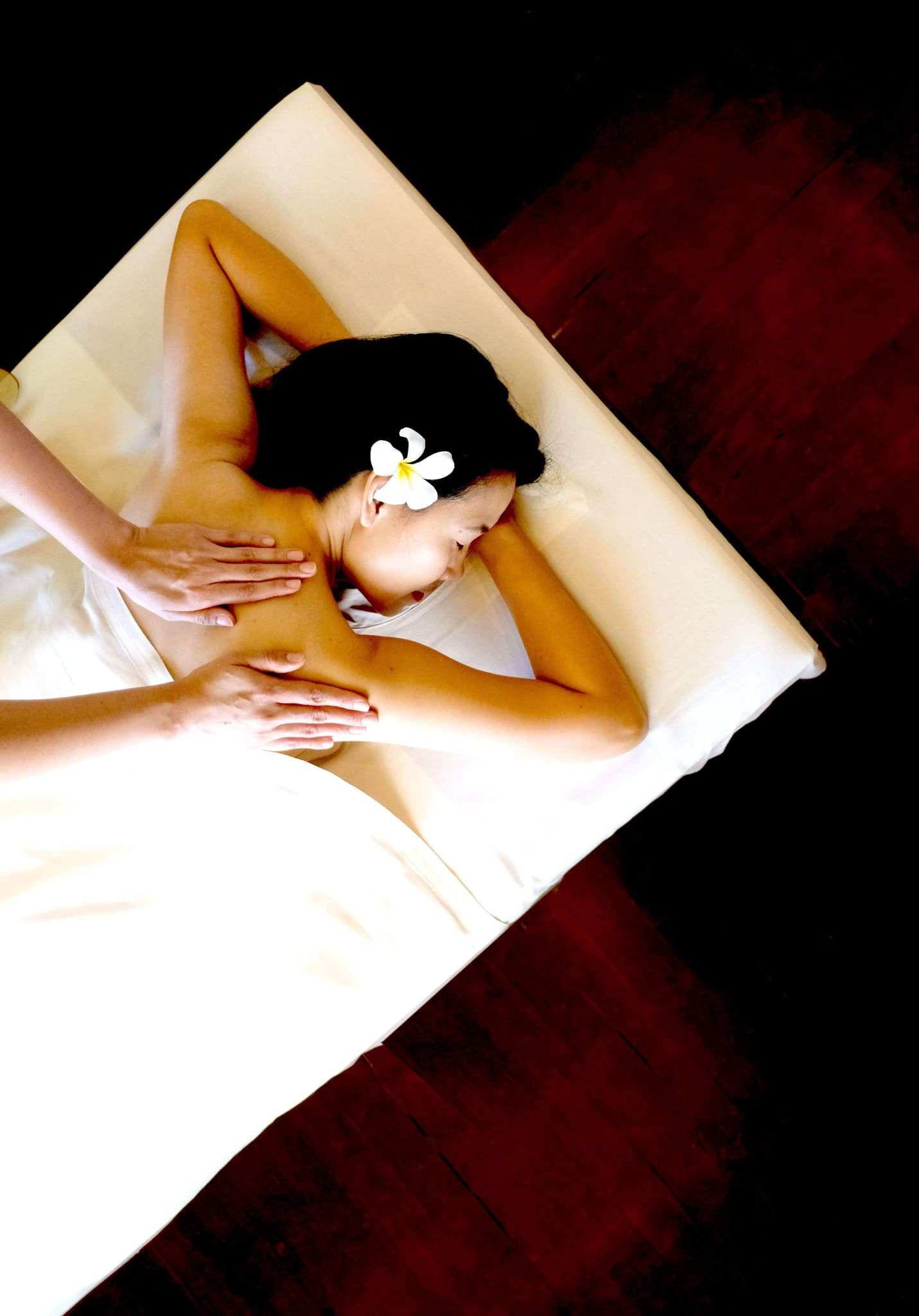 Aromatherapy Massage with Virgin Coconut Oil (60 minutes)