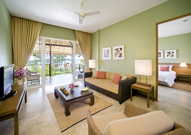 A Tropical Family Suite room 1 night for 2 persons